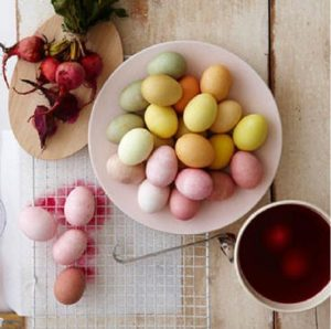 Easter Egg dyeing